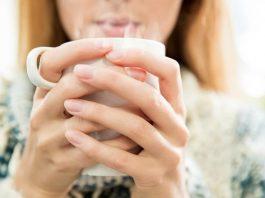 Uống nước ấm có tác dụng gì